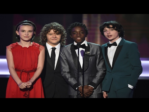 Stranger Things Kids presenting Award @ SAG Awards thumbnail