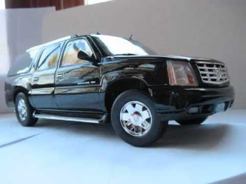 1/18 Cadillac Escalade ESV in Detail - YouTube
