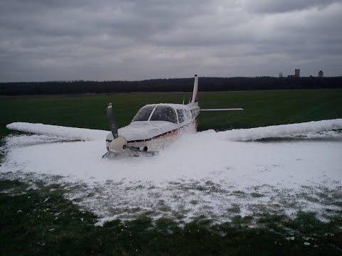 Piper 34 saratoga Emergency Landing without gear EPKM // Lądowanie awaryjne bez podwozia Muchowiec