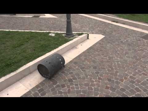 Gricignano (CE) - La villa comunale nel mirino dei vandali (28.09.14)