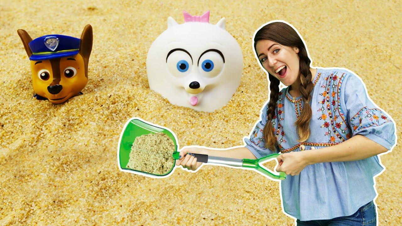 Los Paw Patrol juegan con arena. La Guardería Infantil. Vídeos de juguetes para niños.