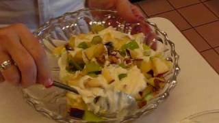 Betty's Classic Waldorf Salad
