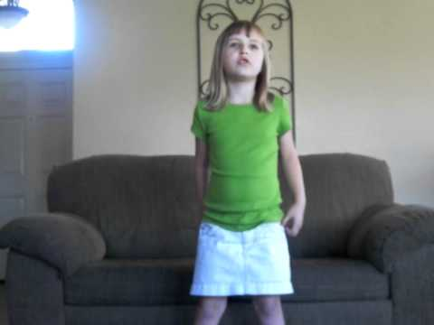 6 year old sings Justin Bieber - Baby.AVI