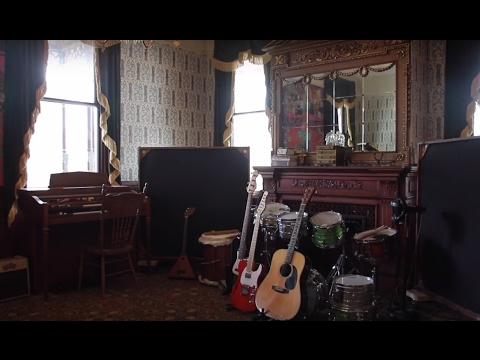 A look inside Staten Island's Kreischer Mansion live-in recording studio