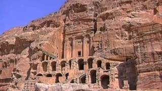 La ciudad Oculta De Petra(Petra es un importante enclave arqueológico en Jordania, y la capital del antiguo reino nabateo. El nombre de Petra proviene del griego πέτρα que significa ..., 2012-12-28T04:52:11.000Z)