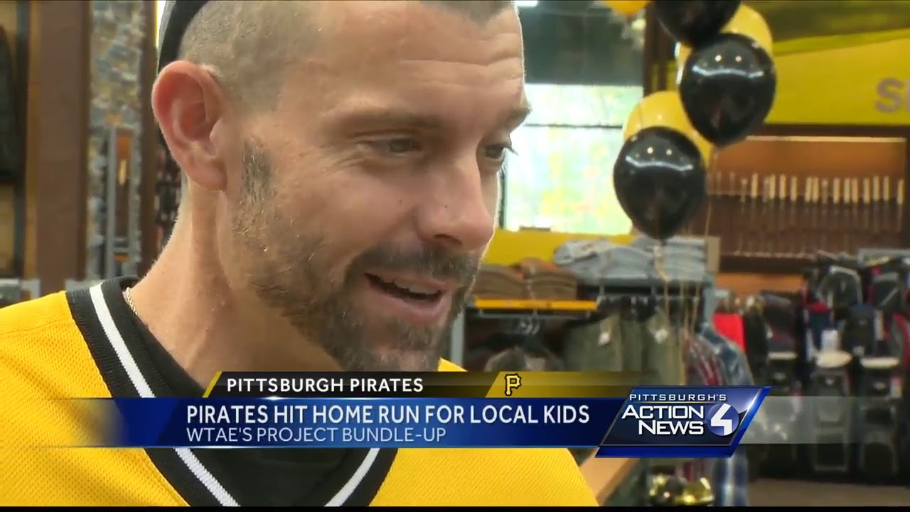 Pirates go shopping with kids for WTAE's Project Bundle-Up