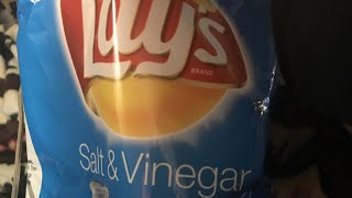Lays salt and vinegar  chips