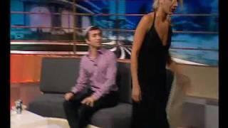 גאלה קוגן עוזבת באמצע ראיון