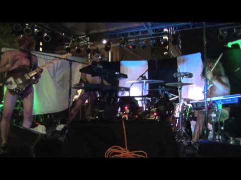 Universe Contest | Snake Stand - Live @ Zoo Fest 2013