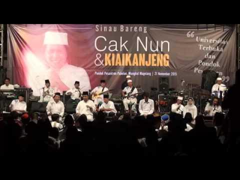 Cak Nun dan Kiai kanjeng (Annabi)