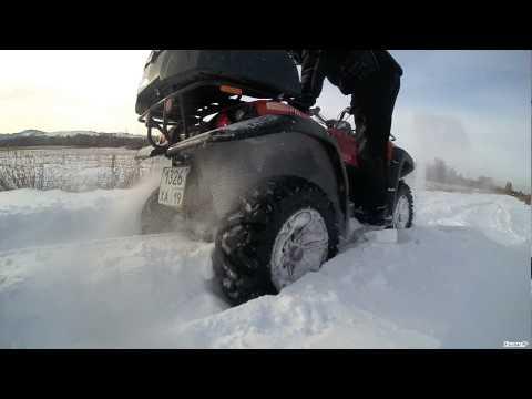 Cf moto x6 против РМ 500, засаживание в снегу