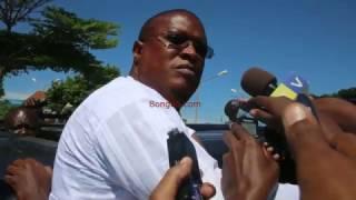 Nape Nnauye atishiwa bastola kwenye mkutano na waandishi wa habari