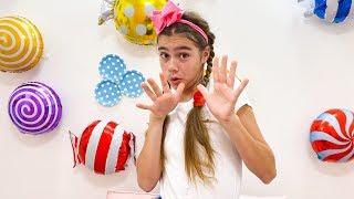 ناستيا Nastya تفعل الخيرات ويحصل على الحلوى