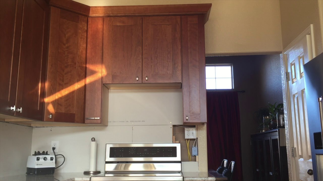 Height between stove and microwave - What S The Ideal Clearance Between Your Otr Microwave Stovetop Lowe S Kitchen Remodel