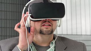 Samsung Gear VR Review(Today is the day that the true consumer model of the Gear VR, the 3rd iteration of the product, hits shelves and doorsteps after going on pre-sale earlier this ..., 2015-11-20T14:00:00.000Z)