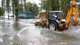 Преодоление водных преград на экскаваторе МТЗ