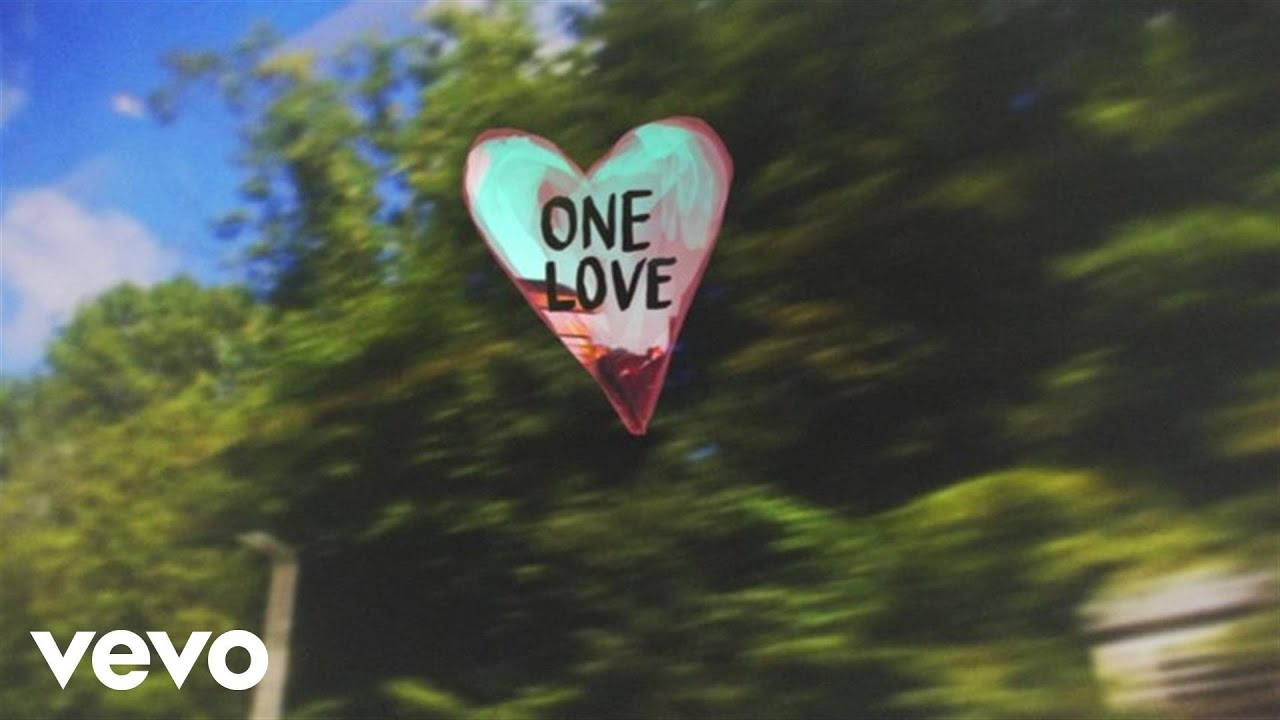 Marianas Trench - One Love (Lyric Video)