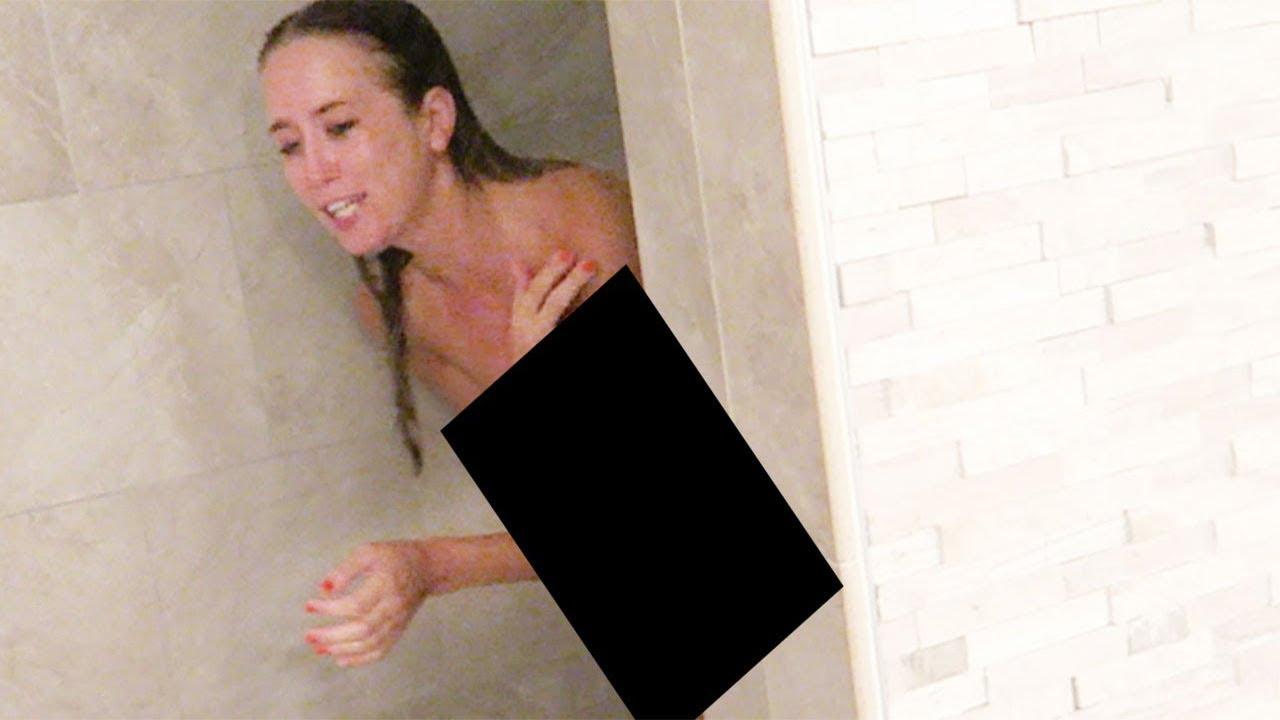 Encuentro A Mi Novia En El Baño Desnuda Y Sale Mal