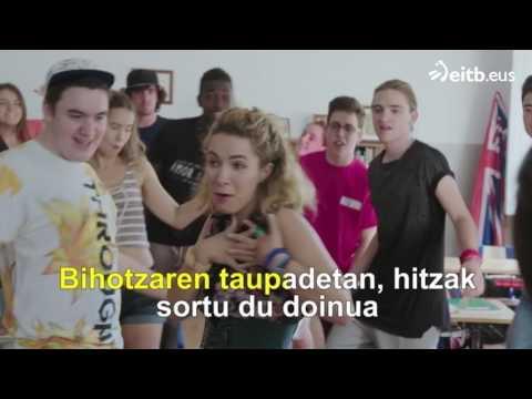 Go!azen: 'Euskararen txantxangorria' (karaokea)