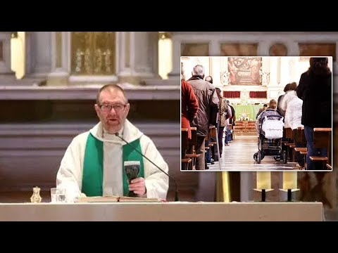 """""""Priest"""" Announces He's """"Gay"""" During """"Mass,"""" Receives Standing Ovation"""