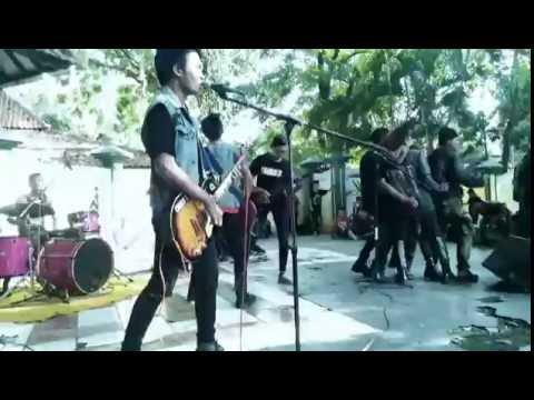 Bunga hitam - Lawan kemiskinan (cover) CHORD-X Band PUNK ROCK
