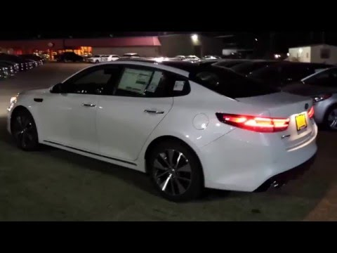 2016 Kia Optima SX Limited At Night