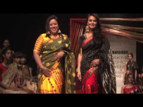 Preity Zinta At Lakme Fashion Week 2017 Day 2 thumbnail