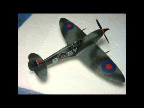 Sword 1/72 Supermarine Seafire III & Heller 1/72 Supermarine Spitfire XVI