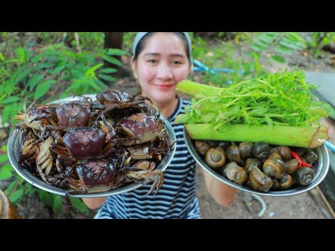 Yummy Field Crab Milk Cooking Taro Stalk – Crab Milk Recipe – Cooking With Sros