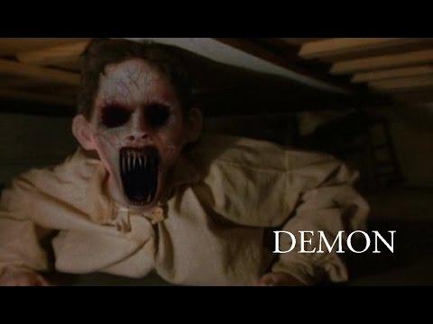 ужас демон за дверью  Scary The Demon Behind The Door