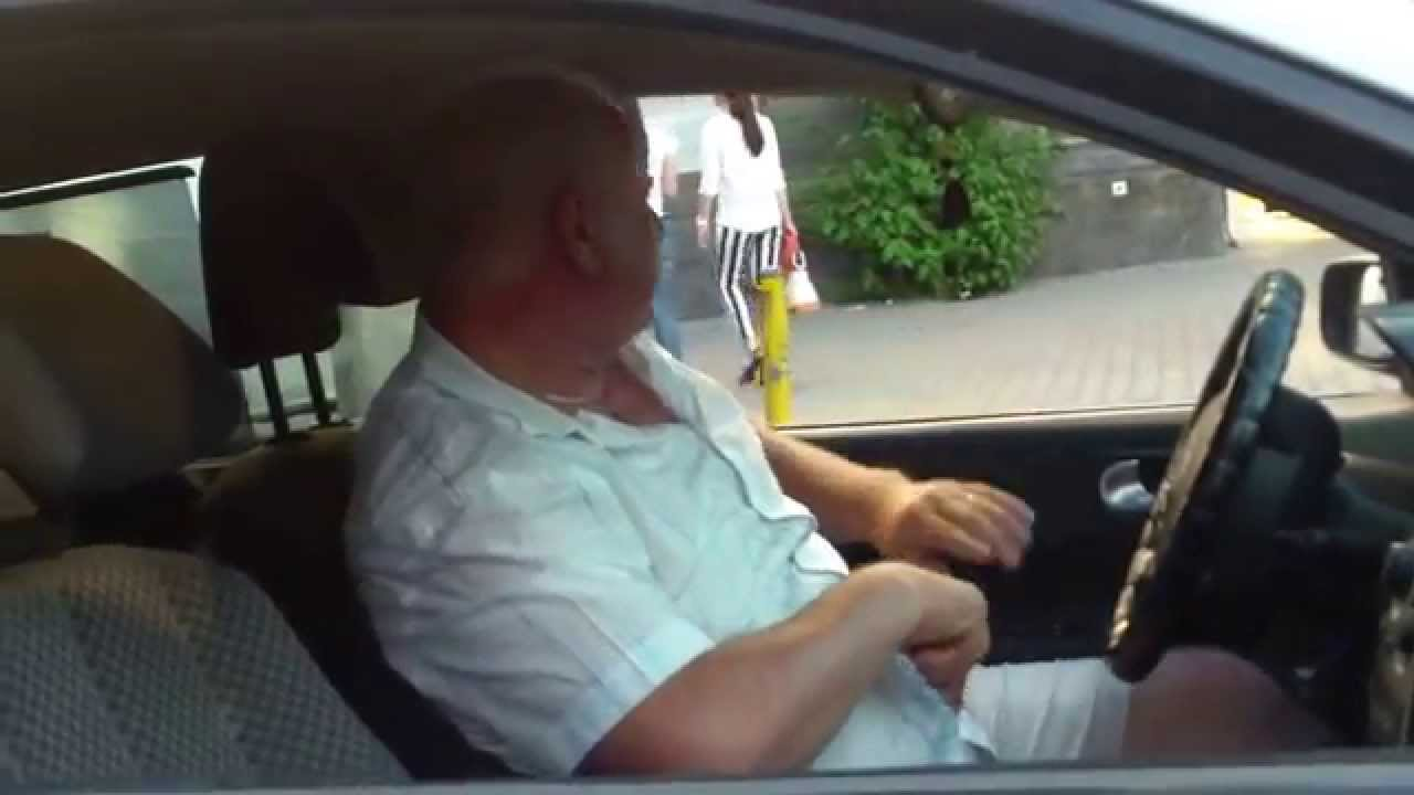 Șofer necioplit de taxi ilegal, la Kilometrul zero