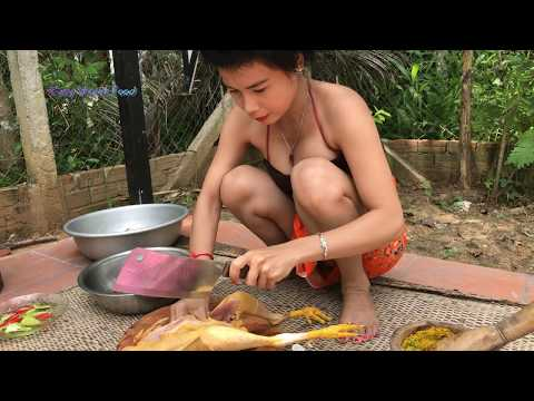 Tasty! Cambodian Cute Girl Fry Chicken With Water Spinach-Village Food in Cambodia