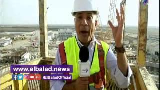 أحمد موسي يلقي التحية العسكرية لفريق عمله .. فيديو