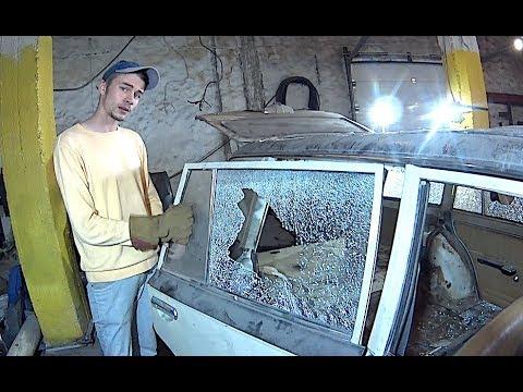 Как разбить стекло автомобиля используя керамику со свечи зажигания