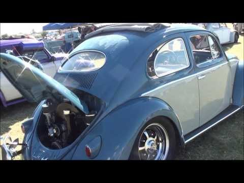 Volkswagen Two Tone Oval Window Ragtop Bug at VOLKSTOCK VW CAR SHOW - YouTube