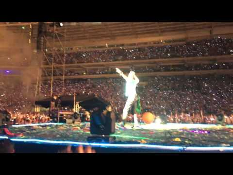 Coldplay São Paulo Proposal on Stage in Brazil