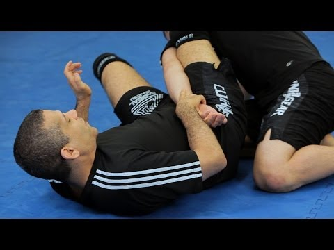 How to Do an Omoplata | MMA Submissions