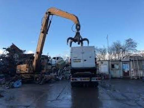 Scrapping Of Volkswagen T4 - Fuchs Excavator MHL 331 Vs. VW T4