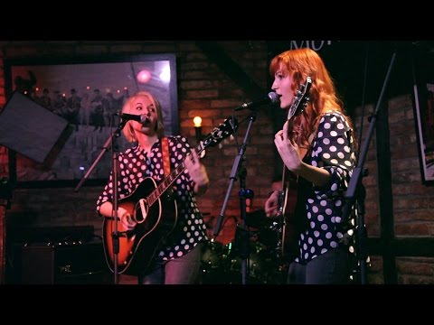 Wake Up Little Susie - MonaLisa Twins (Everly Brothers Cover) live!