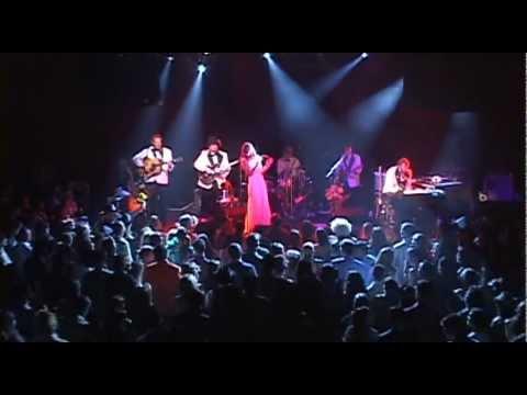 Nicki Bluhm and The Gramblers -