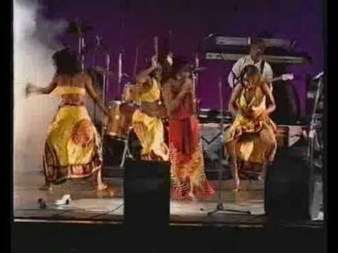 'Xikongolatana', Live by Mingas of Mozambique, 2004