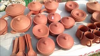 Swadesi mitti ke bartan stall - स्वदेशी मेला में मिट्टी का कुकर
