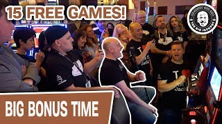 💣 BOOM! 15 FREE GAMES! 👨👩👧👧 The Crowd Goes WILD for SLOTS!