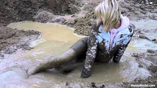 Repeat youtube video MessyModel Sofia in bomberjacket stuck in thick mud