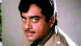 Video Sanjeev Kumar tries to bribe Shatrughan Sinha - Haathkadi, Emotional Scene 12/15 download MP3, 3GP, MP4, WEBM, AVI, FLV November 2017