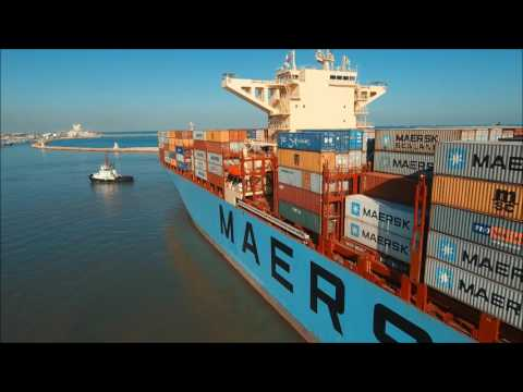 The biggest ship ever entering Haifa Port - MAERSK ELBA