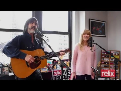"""Larry Campbell & Teresa Williams """"Everybody Loves You"""" and """"Long Black Veil"""""""