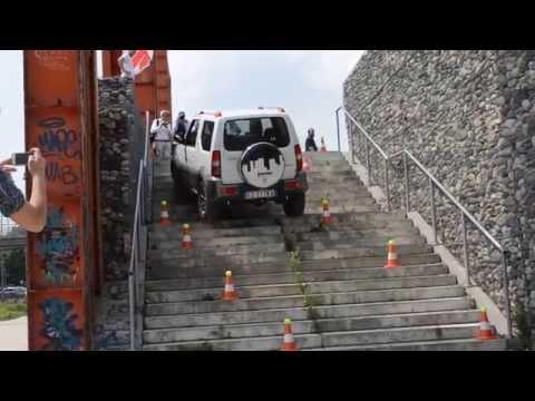 Suzuki Jimny: come affrontare le scale - Fattori&Montani - Video