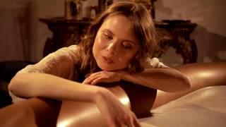 видео «Сценарий» идеального романтического вечера в ванной