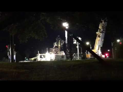 Confederate monuments: Crews remove P.G.T. Beauregard statue